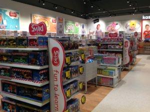 d186318e71a00c ... 4 sierpnia 2018 r. w Zielonej Górze zostanie otwarty kolejny sklep  sieci SMYK oferującej produkty dla dzieci w wieku 0-14 lat, między innymi  zabawki, ...